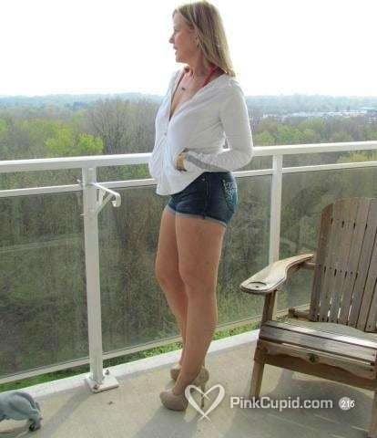 myrtle lesbian singles Myrtle beach mature lesbians at pinkcupidcom join for free and meet hundreds of mature lesbian singles in myrtle beach and surrounding areas.